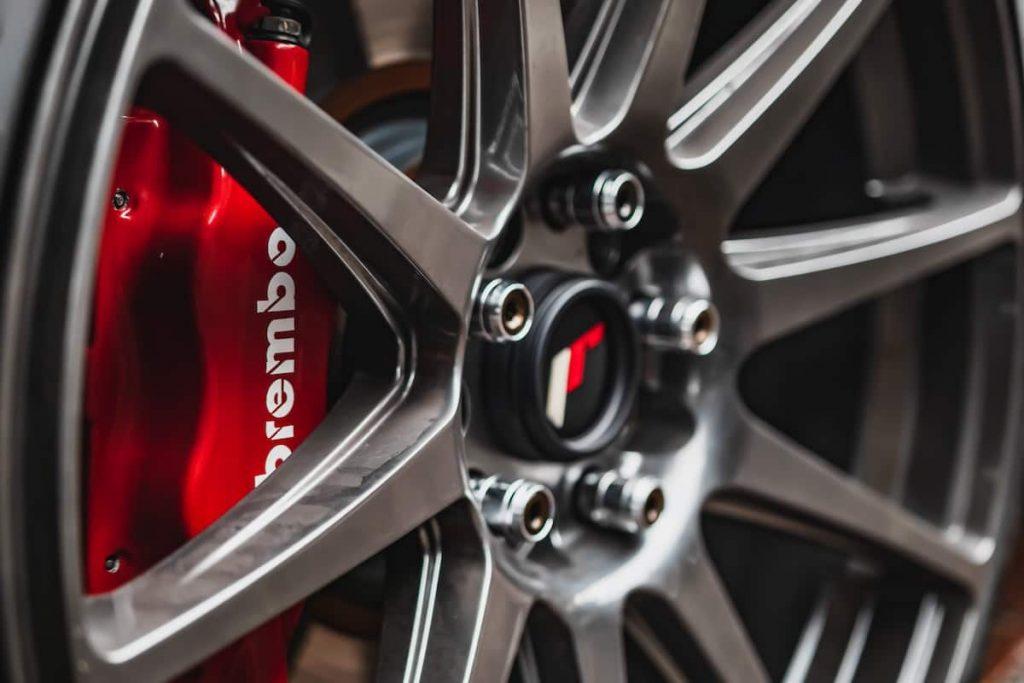 How to Polish Aluminum Wheels